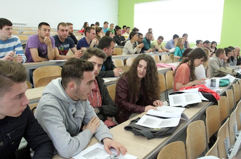 Albanski i srpski studenti bujanovačkog odeljenja Fakulteta u Subotici