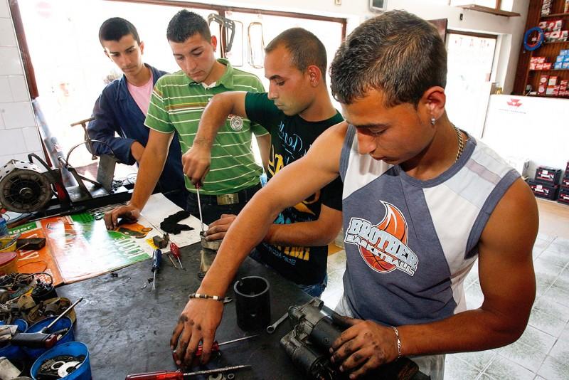 Podrška mladim Romima kroz stručno usavršavanje