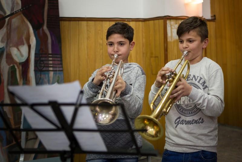 """Mladi polaznici programa za socijalno uključivanje kroz muziku """"El Sistema"""", Vranje"""